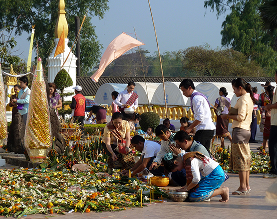 Boun-That-Luang-festival-2_p