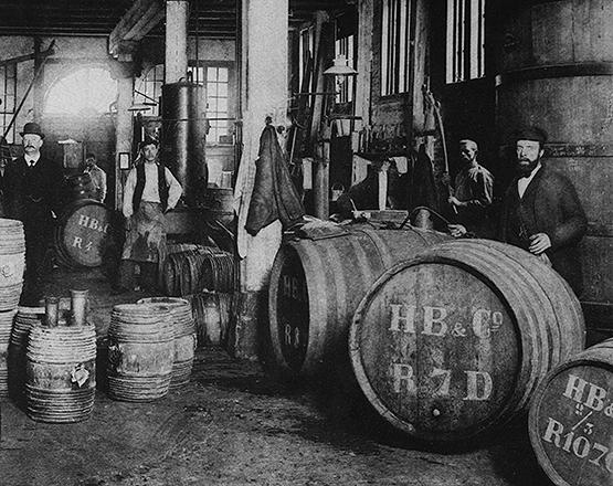 Destiería de ginebra Hoboken de Bie & Co.en Rotterdam, Holanda en 1900