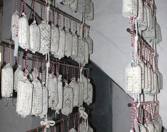 Secadero de morcón de cordero