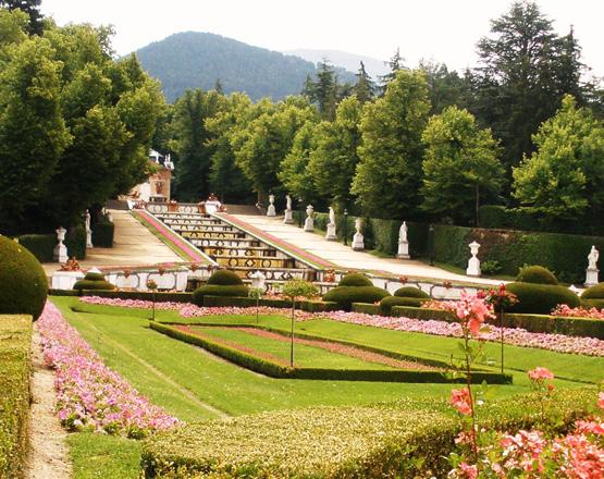 Patrimonio abre la plaza de la armer a para celebrar el for Jardines del alberche